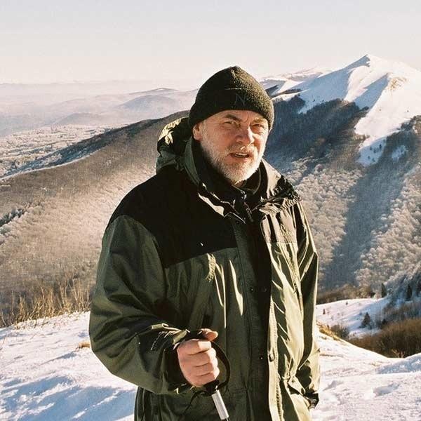 Wojciech Różycki na Połoninie Caryńskiej. Górskie wędrówki to jego pasja, ale teraz postawił sobie znacznie trudniejsze zadanie