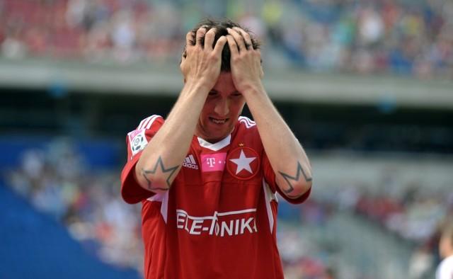 Semir Stilić ma mocno zbite podbicie. Wczoraj nie było wiadomo czy będzie mógł zagrać w dzisiejszym meczu z Górnikiem Zabrze.
