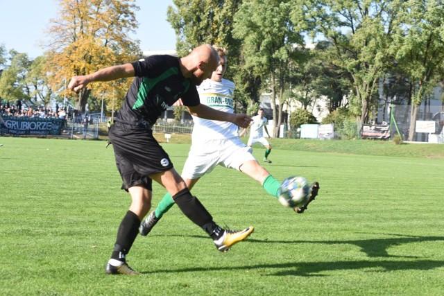 W Lubuskiem piłkarze nie wrócą na boiska przed 26 kwietnia.