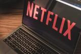 Google: Najpopularniejsze seriale w Polsce. Produkcje Netflix, HBO i nie tylko. Co Polacy najchętniej oglądają?