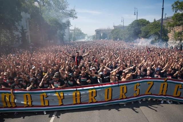 Tłumy kibiców przed meczem Euro