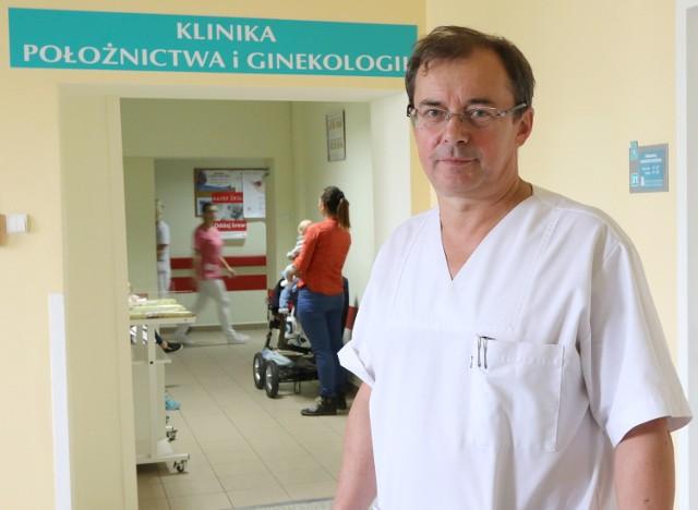Piotr Niziurski, doktor nauk medycznych, specjalista ginekologii i położnictwa w Wojewódzkim Szpitalu Zespolonym w Kielcach nie ukrywa swoich obaw dotyczących przyszłości dziecka dwunastolatki.