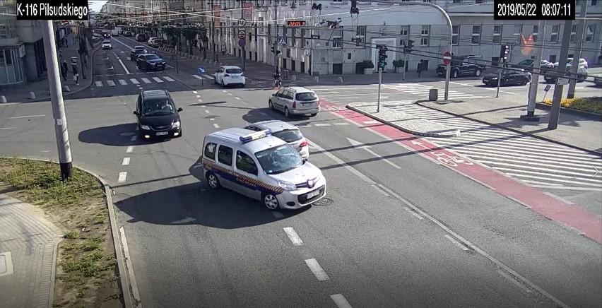 Eskorta Straży Miejskiej na gdyńską porodówkę! Niecodzienna interwencja pozwoliła przyszłym rodzicom bezpiecznie dotrzeć do szpitala w Gdyni
