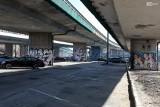Pusty parking pod Trasą Zamkową w Szczecinie. Czy o to chodzi w Nowym Ładzie Parkingowym? Nasze obserwacje
