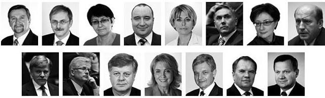 Piętnastu posłów zginęło w katastrofie lotniczej w Smoleńsku.