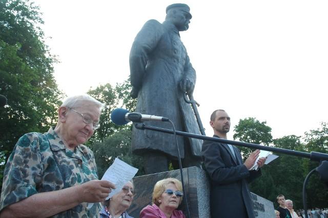 Wśród torunianek, które brały udział w powstaniu warszawskim była gen. Elżbieta Zawacka. Zdjęcie z obchodów 60 rocznicy wybuchu powstania