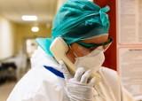 Prawie 18 tysięcy nowych zakażeń koronawirusem. Potrzebna będzie trzecia szczepionka?