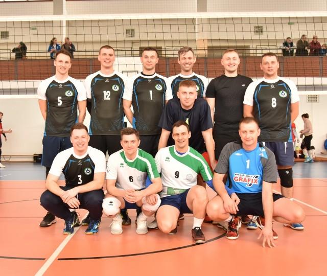 Zawodnicy z Szydłowca zaprezentowali się bardzo dobrze i zajęli drugie miejsce w ogólnopolskim turnieju siatkówki.