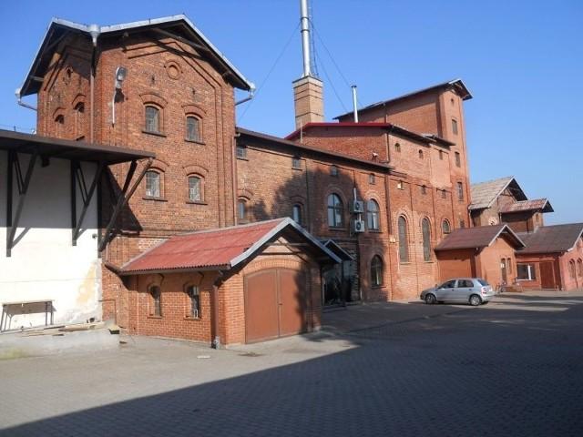 Nowy właściciel gorzelni w Nieszawie załatwia formalności związane z uruchomieniem produkcji. Ma ruszyć jesienią