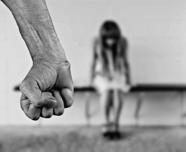 Ofiarami przemocy w rodzinie padają najczęściej kobiety.