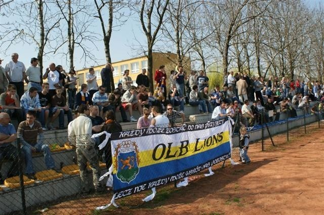 Pilka nozna, IV liga. GKS Grodków - Olimpia Lewin Brzeski...
