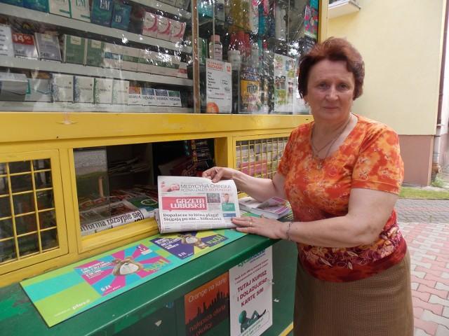 Helena Gruszczyńska prowadzi kiosk przy ul. Chrobrego w Strzelcach.
