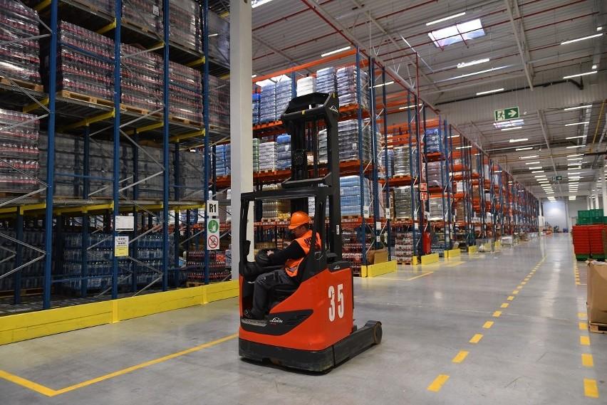 dc2806c6037b9f Sieć sklepów Żabka prowadzi rekrutację dla 20 operatorów wózków widłowych w  centrum logistycznym w Szałszy