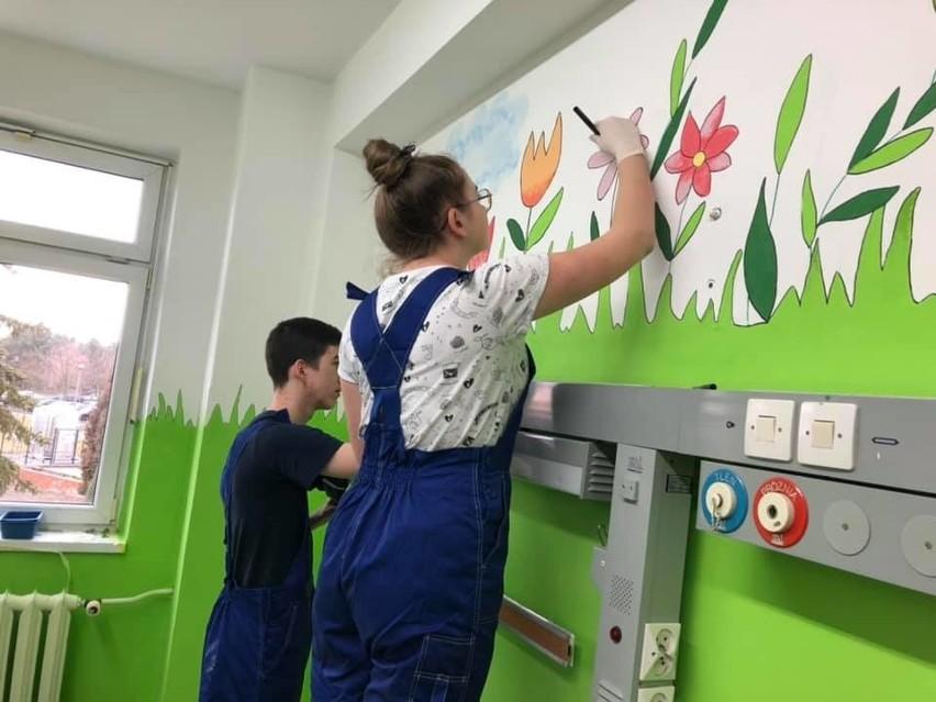 Uczniowie Budowlanki poświęcili swoje ferie, żeby wyremontować sale dla dzieci w Uniwersyteckim Szpitalu Klinicznym w Opolu