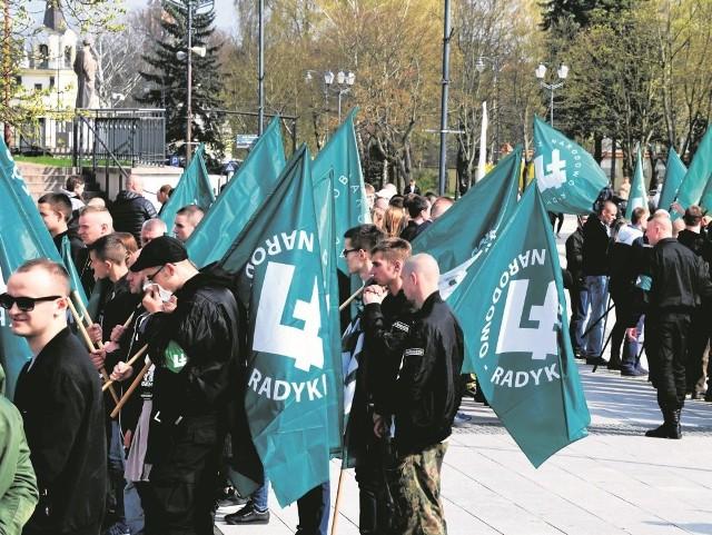 Do Białegostoku przyjechało kilkuset przedstawicieli Obozu Radykalno-Narodowego z całej Polski. 82 rocznicę powstania organizacja świętowała m.in. w białostockiej katedrze