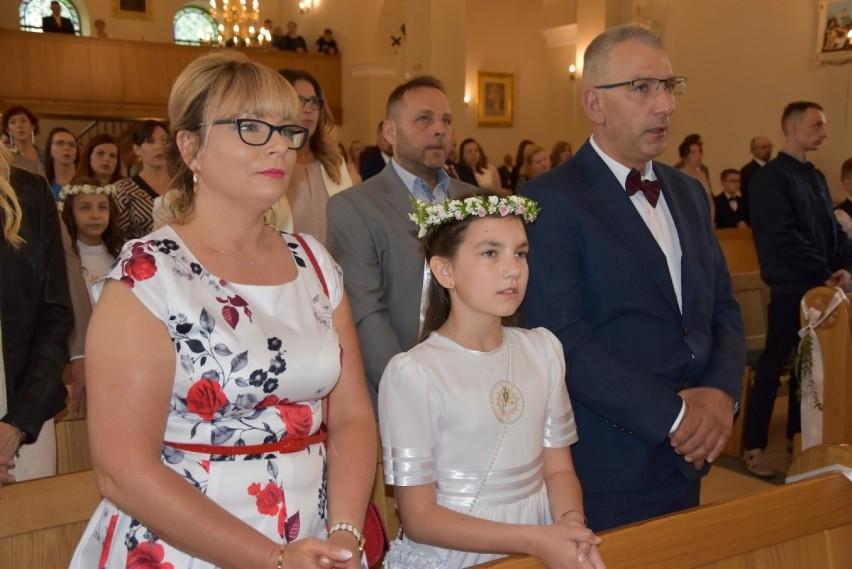 Uroczystość przyjęcia I komunii św. w Kiełpinie (11.06.2020)
