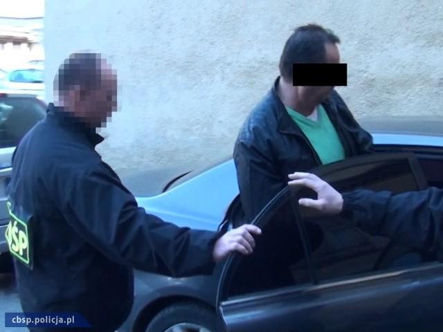 Policjanci CBOŚ z Poznania i Łodzi zatrzymali cztery osoby poszukiwane europejskimi nakazami aresztowania