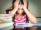 Można zrezygnować z prac domowych zadawanych uczniom! Dzieci w domu powinny odpoczywać, grać w gry, rozmawiać z rodzicami