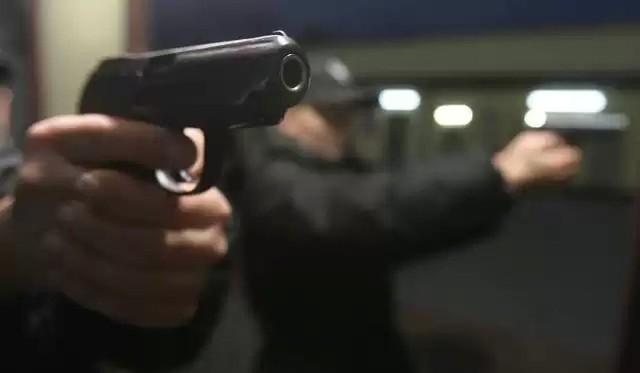 Prokuratura oskarża członków gangu o sześć przestępstw, głównie rozbojów z użyciem niebezpiecznych narzędzi. Podczas jednego ze zdarzeń doszło również do użycia broni palnej.