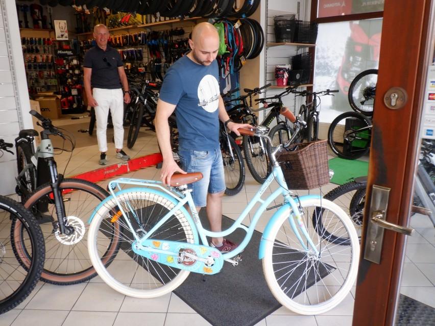 Na początek rower miejski, city bike, który prezentuje Dawid...