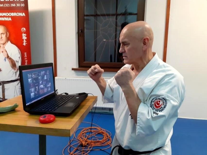 Sosnowiecki Klub Karate w dobie pandemii koronawirusa zdecydował się na tzw. e-treningi. Zobacz kolejne zdjęcia. Przesuwaj zdjęcia w prawo - naciśnij strzałkę lub przycisk NASTĘPNE >>>