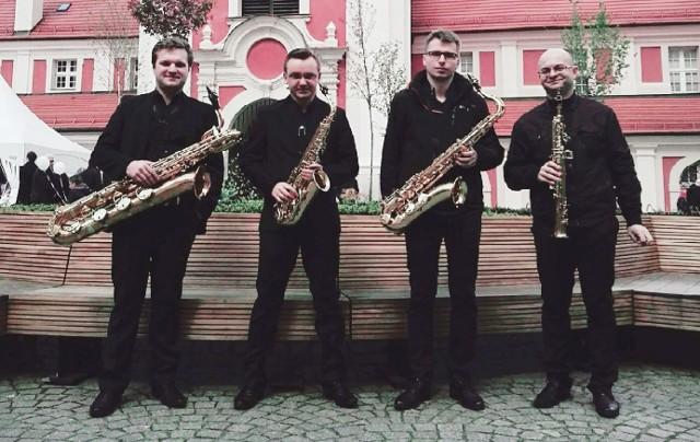 W sierpniu na Scenie  na Quadro zagra m.in. Varios Artistas Saxophone Quartet