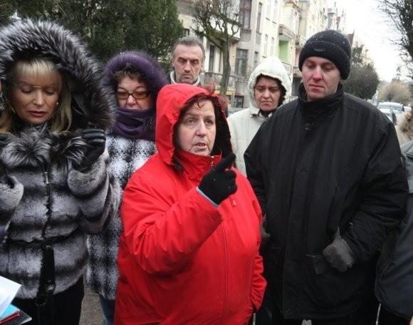 Mieszkańcy kamienicy zapowiadają, że będą do końca walczyć, aby do ich domu i na ulicę powrócił spokój.