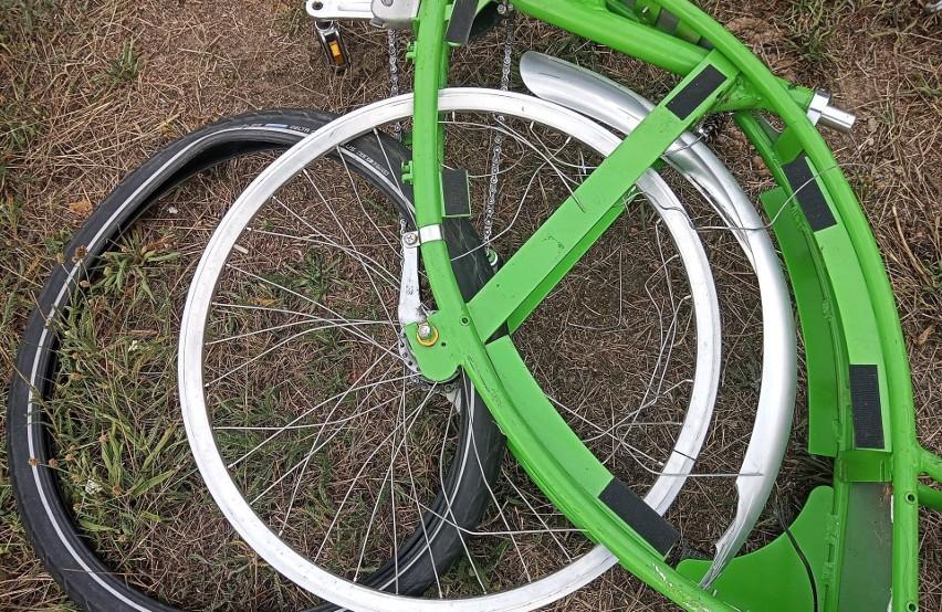 Zdjęcia zdewastowanych rowerów miejskich w Zielonej Górze dostaliśmy od naszej Czytelniczki.