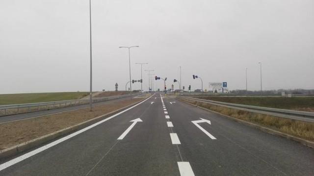 Zakończyła się przebudowa drogi krajowej nr 45 na odcinku Reńska Wieś - Poborszów w powiecie kędzierzyńsko-kozielskim.