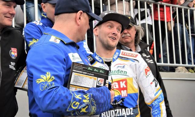 Artiom Łaguta (MrGarden GKM Grudziądz) musi przez kilka dni wstrzymać się od treningów i startów, po upadku na treningu motocrossowym