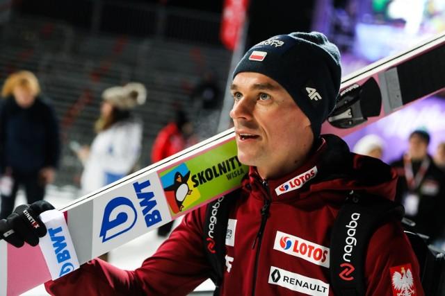 Piotr Żyła w drugim konkursie PŚ w Engelbergu zajął w niedzielę 20.12 trzecie miejsce