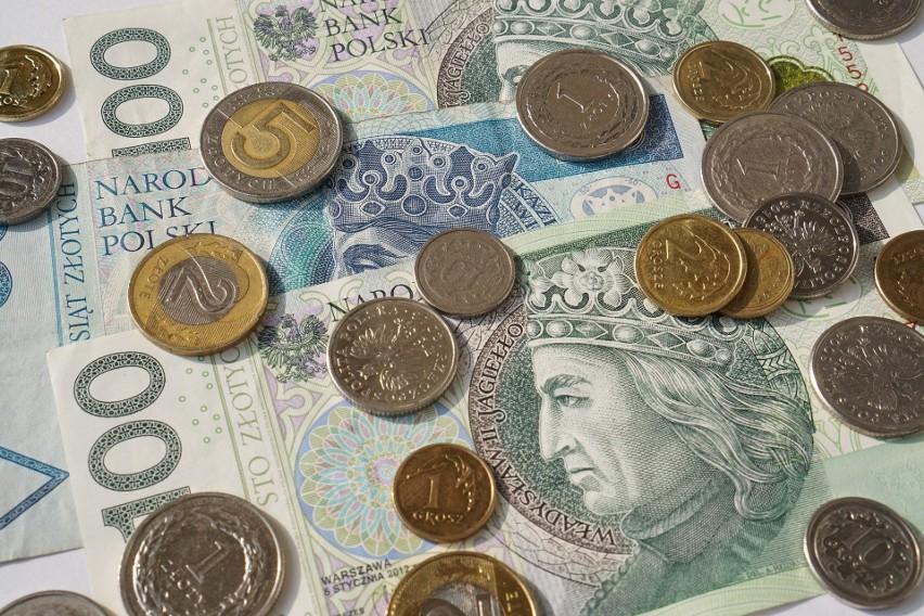 W 2022 roku minimalne wynagrodzenie wzrośnie o 210 zł....