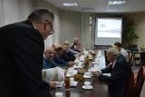 Rada Powiatowa Izby Rolniczej w Zduńskiej Woli po pierwszym posiedzeniu. Było o suszy [zdjęcia]
