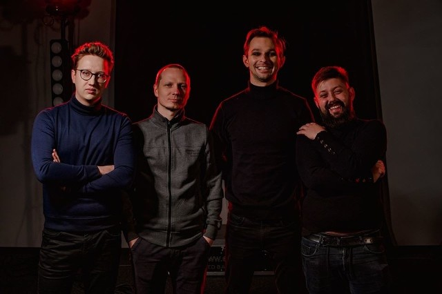"""W koncercie """"Mariusz Kwaśniewski na żywo"""" usłyszymy m.in. grupę Superhive."""