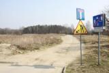 Na razie nowa ul. Romanowska może kończyć się w lesie [ZDJĘCIA]
