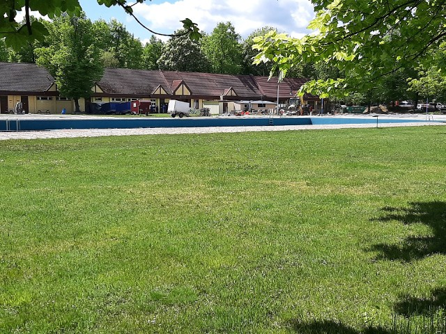 Trwa remont kąpieliska odkrytego w Parku Kachla w Bytomiu. Kiedy się zakończy?