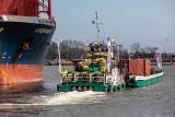 Do Chełmna z portu w Gdańsku Wisłą płynie załadowana kontenerami barka. Mamy zdjęcia