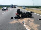 """Wypadek na ekspresowej """"7"""". Motocyklista zderzył się z osobówką"""