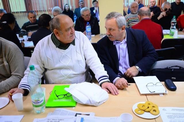 Członkowie Polskiego Związku Działkowców w Poznaniu rozmawiali  o pracach toczących się wokół projektu nowej ustawy o rodzinnych ogrodach działkowych. Trwa akcja zbierania podpisów.