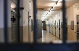 Więźniowie głosowali na Trzaskowskiego. Duda wygrał w domach pomocy społecznej
