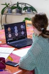 Zmieniamy Wielkopolskę. Nowoczesne tablety i laptopy trafią do szkół zawodowych Wielkopolski