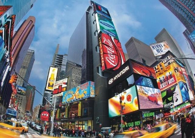 Elektroniczna reklama w sercu Nowego Jorku to nie tylko narzędzie marketingowe, ale również prestiż.