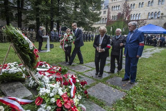 Wielkopolskie obchody 82. rocznicy agresji ZSRR na Polskę odbyły się w Poznaniu przed Pomnikiem Ofiar Katynia i Sybiru