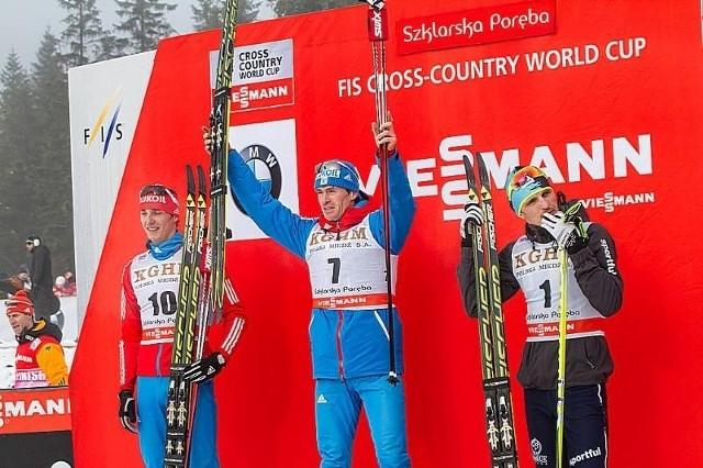 JAKUSZYCE 2014 - BIEGI NARCIARSKIE MĘŻCZYZN. Na podium najlepsi zawodnicy biegu na 15 kilometrów