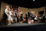 Amatorski teatr AD HOC z Żabna rozbawił widownię do łez swoją najnowszą premierą