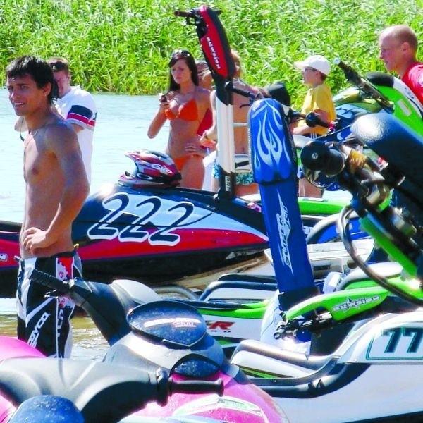 Receptą na ściągnięcie turystów do Ełku mają być duże imprezy na Jeziorze Ełckim, jak choćby ubiegłotygodniowe eliminacje Mistrzostw Polski w Pływaniu na Skuterach Wodnych