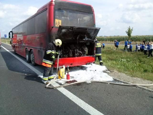 Pożar autokaru pod Gnieznem: Na S5 nikt nie został ranny