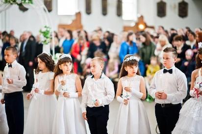 261b031fb1 Sukienka komunijna czy alba  Komunia Święta 2019 zbliża się wielkimi ...