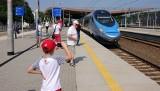 Dzień dziecka. Najmłodsi podróżni pojada pociągami PKP Intercity bezpłatnie.