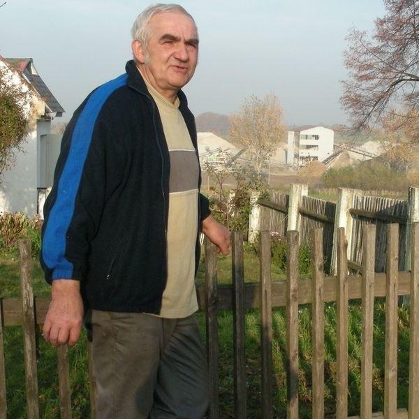 Zbigniew Kopcisz: - Zaledwie dwieście metrów od mojego domu kruszą i mielą kamienie.